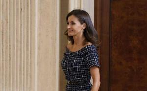 La Reina Letizia sorprende con un vestido de Zara de menos de 20 euros