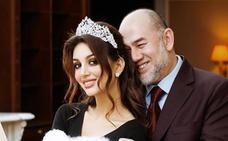 El rey de Malasia que renunció al trono por amor se divorcia a los siete meses