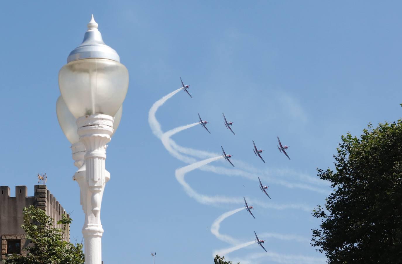 Primeras acrobacias del Festival Aéreo