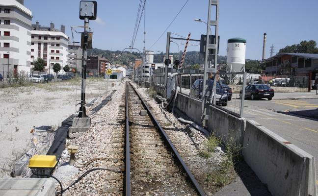 Ayuntamiento y Adif sitúan en octubre el reinicio del soterramiento de Langreo