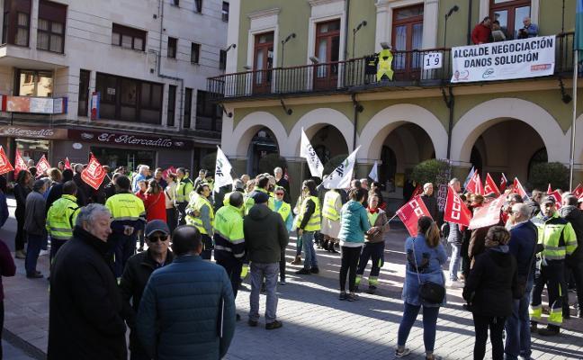 La plantilla municipal de Langreo confía en cerrar el conflicto antes del viernes