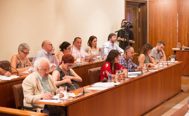 El Pleno de Avilés aprueba el nuevo reglamento municipal tras tres años de debate político