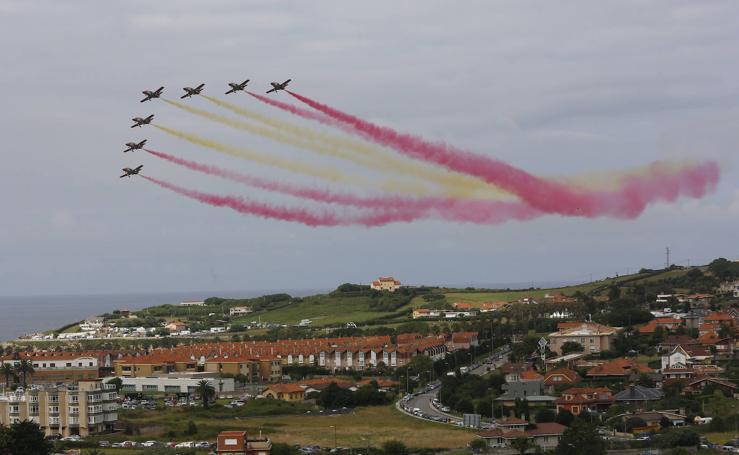 El cielo ruge en Gijón con el Festival Aéreo