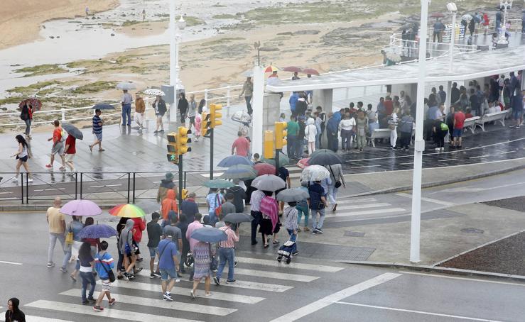 El mal tiempo agua el Festival Aéreo