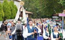 Los marineros honran a su patrona en Lastres