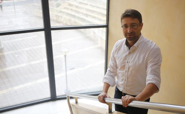 Enrique Fernández Rodríguez, consejero de Industria, Empleo y Promoción Económica: «Hay desafíos enormes y será importante asumirlos en equipo»