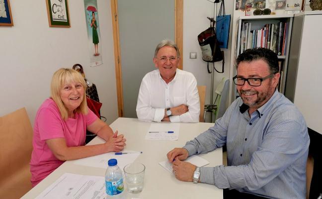 Renfe se compromete a la mejora de los servicios de información en Carreño