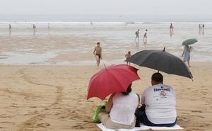 Las tormentas y el granizo obligarán a sacar de nuevo el paraguas este martes en Asturias