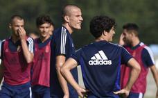 Lolo: «Me encantaría jugar muchos años en el Oviedo»