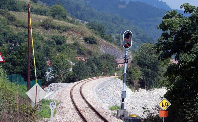 Adif culmina la última fase de la obra de reparación de las vías en Cabañaquinta