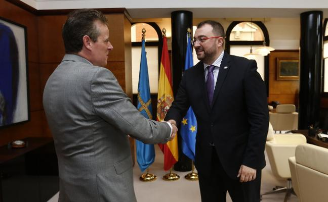 Adrián Barbón: «No quiero perder de vista la calle»