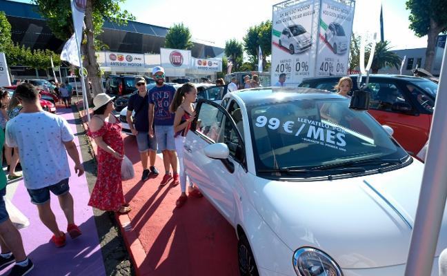 La crisis del diésel lleva a los concesionarios a ofrecer rebajas de hasta el 40% en la Feria