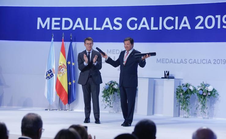 Javier Fernández recibe la medalla de Galicia