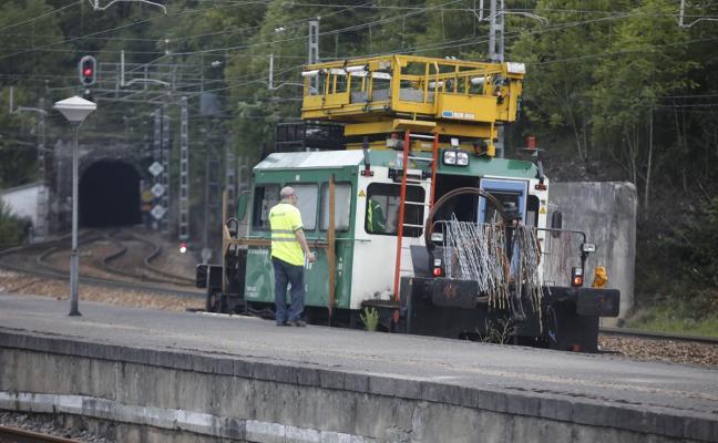 La conexión ferroviaria entre Asturias y la Meseta abre tras más de diez horas cortada
