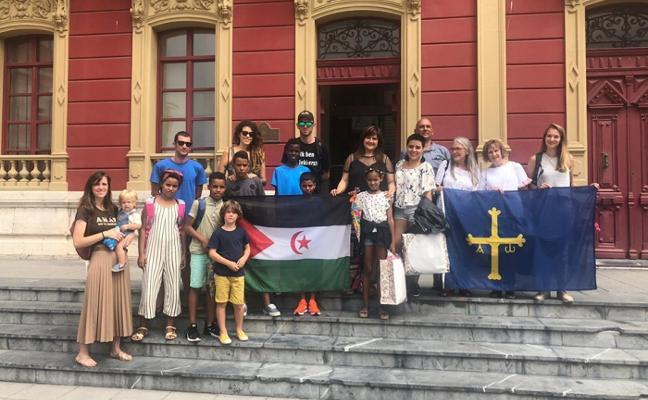 Cinco niños saharauis pasarán el verano en Candás y Perlora