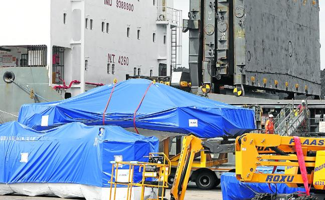 Se inicia el traslado del telescopio desde el puerto