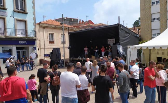 Las gaitas se hacen sentir en el festival de bandas de Candás