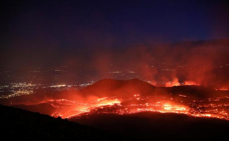 Las impresionantes imágenes del Etna en erupción