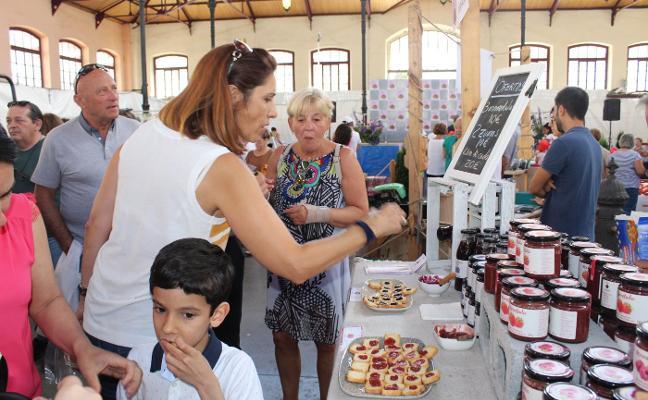 El Festival del Arándano mantiene las ventas a pesar del cambio de ubicación