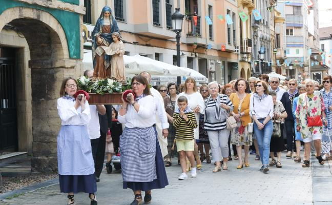Misa solemne y procesión de Santa Ana