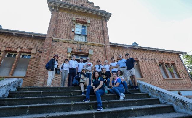 El campus de la Universidad Itinerante de la Mar arrancó en Avilés, Salinas y Arnao