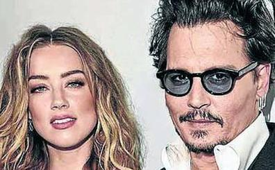 Johnny Depp dice que Amber le quemó con un cigarrillo