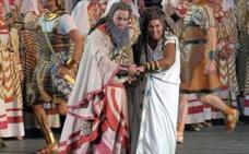 Una soprano planta a Plácido Domingo en Aida para evitar maquillaje negro: «Es racista»
