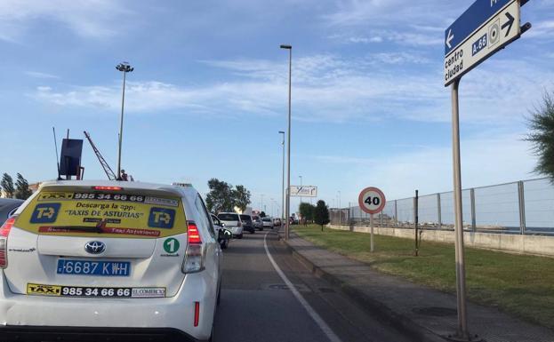 La Masiva Afluencia De Público Al Circo Del Sol En Gijón Obligó A Retrasar El Inicio Del Espectáculo El Comercio