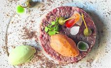 Steak tartar de black angus con crema helada de mostaza y tomate seco