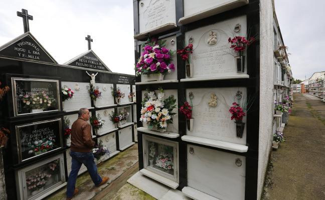 La parroquia de San Cristóbal ampliará el cementerio para crear nuevos nichos y osarios