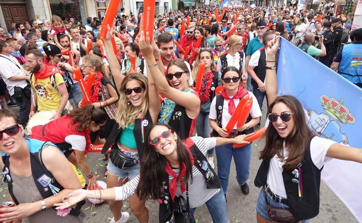 Multitudinario desfile en Arriondas
