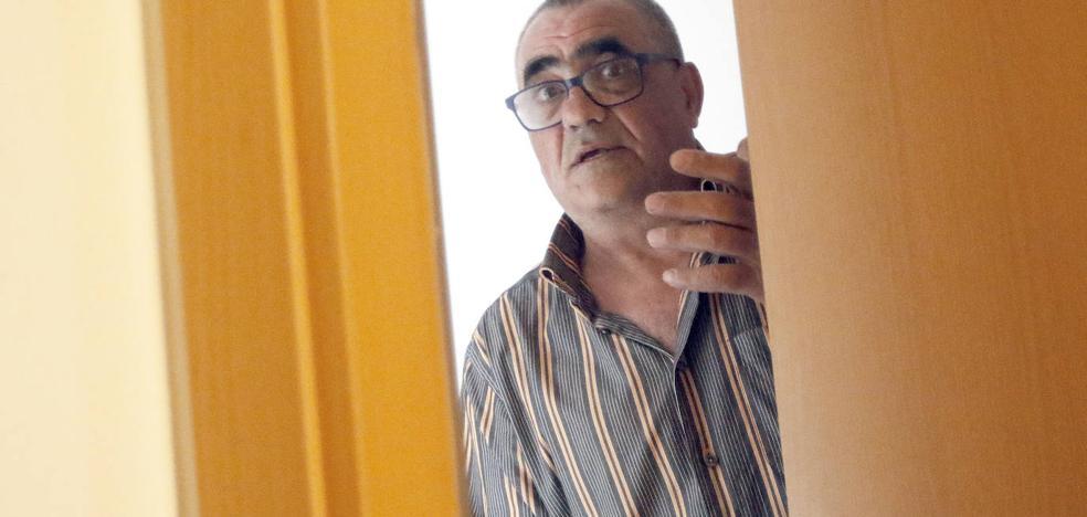 «Al principio creí que el bebé era un muñeco», relata el hombre que halló el cadáver de un recién nacido en un contenedor en Gijón
