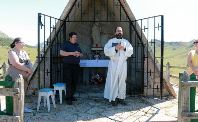 Mieres se aferra a su fiesta ganadera en el Puerto de Pinos