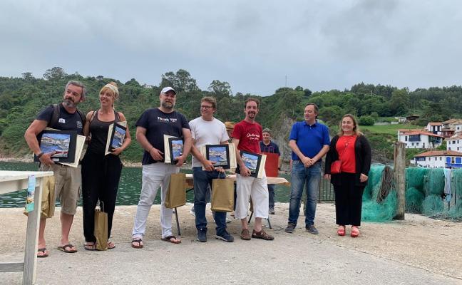 Lolo Serrantes gana el certamen de pintura de Tazones