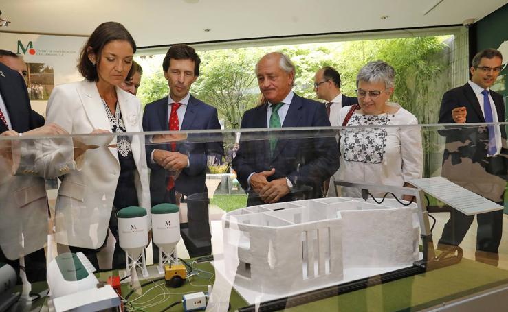 Reyes Maroto visita la Feria de Muestras de Asturias