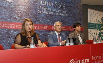 Feria de Muestras de Asturias | «Cada vez ye más complicao que te echen sidra»