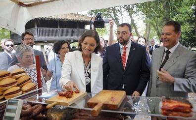 La ministra de Industria quiere que Hunosa se mantenga como un fuerte «dinamizador» económico