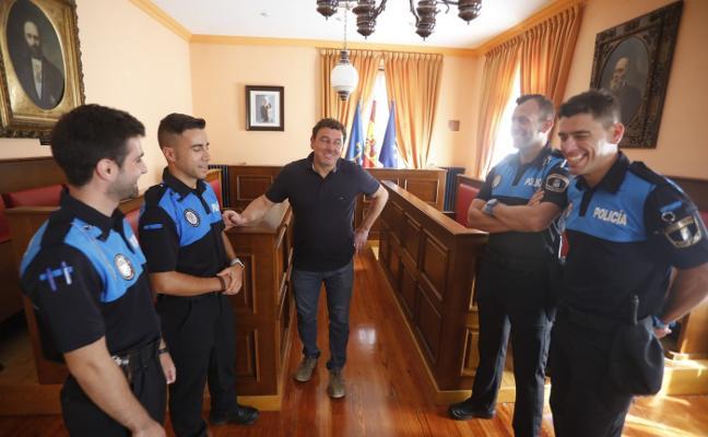 Laviana convocará este año tres nuevas plazas para la Policía Local