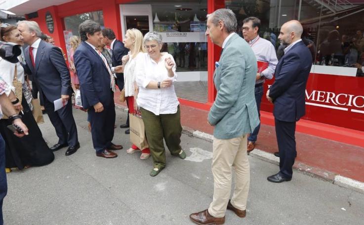 La alcaldesa de Gijón, en el estand de EL COMERCIO