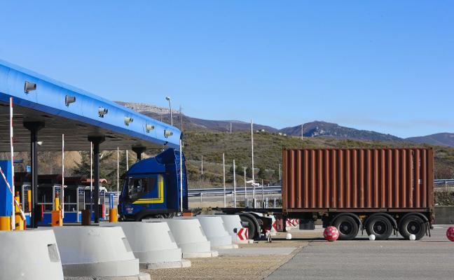 El Principado exigirá a Fomento que amplíe la bonificación del peaje del Huerna a camiones
