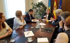 El Principado «no escatimará medios» para retener el empleo y la actividad en Alu Iberia