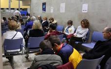 Los vecinos rechazan la concentración de las urgencias en cuatro centros de salud