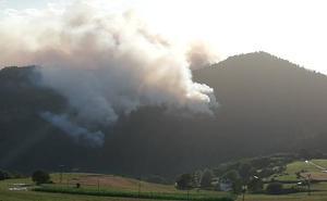El incendio de Valdés, «estabilizado»