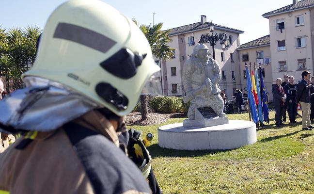 Bomberos de Cataluña donan 10.000 euros a la familia de Eloy Palacio