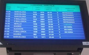 Cuatro vuelos de Asturias con Barcelona y Mallorca retrasados por una avería