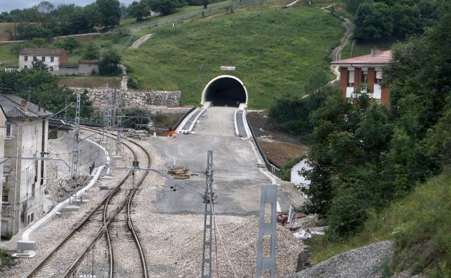 El Principado solicitará trenes desde Gijón, Oviedo y Avilés que se coordinen con el AVE en Lena