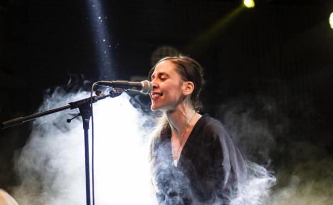 Muere en Barcelona Inés Bayo, primera cantante del grupo pop Los Fresones Rebeldes