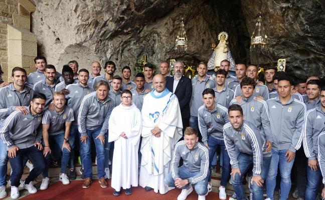 La Santina bautiza a los capitanes azules