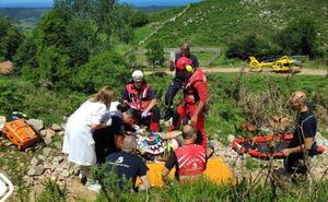 Un herido al volcar con un quad en Ribadedeva