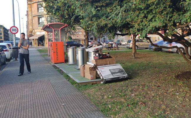 Los trabajadores de la limpieza viaria de Villaviciosa irán a la huelga en las fiestas del Portal